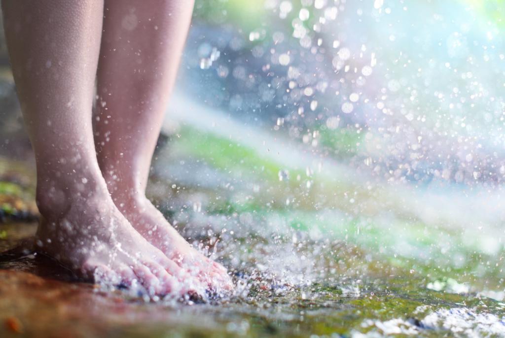pieds nus dans l'eau